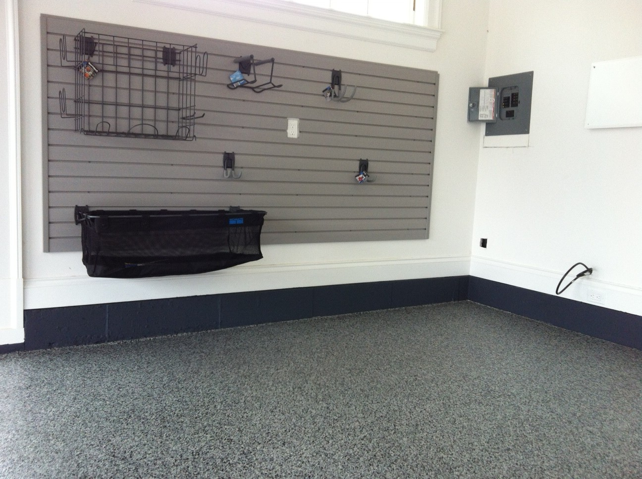 Graphite Floor, Painted Stem Wall & Grey Slat Wall organization