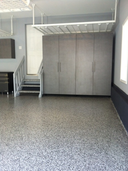 Platinum Cabinets with 1/4″ Graphite Floor