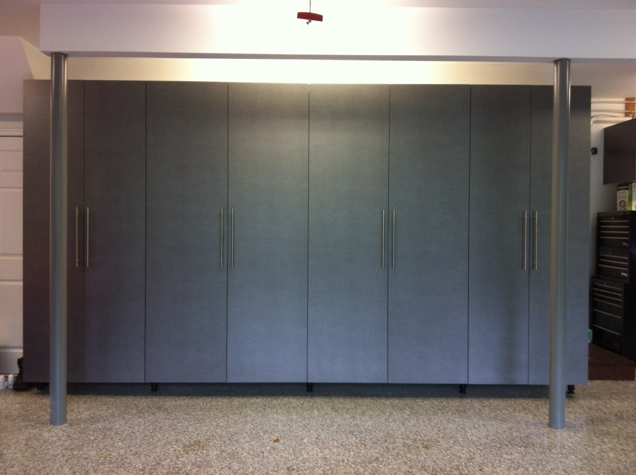 Platinum Cabinets (4) 90″ Back Wall